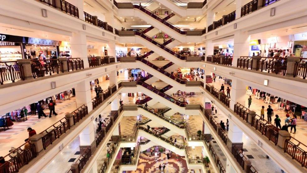 Retail real estate goes online, but the location still matters